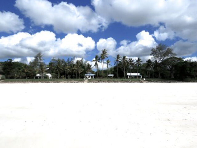 Bwaa Beach House, Diani